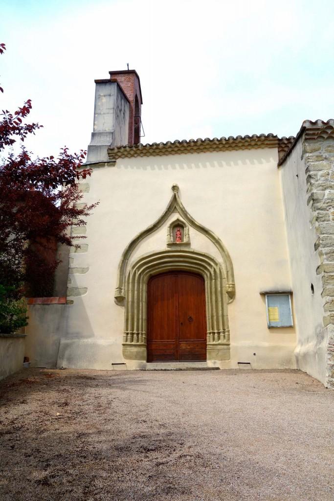 Porche de St Loup de Pugnères